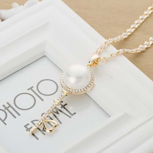 HIGH QUALITY PEARL KEY NECKLACE